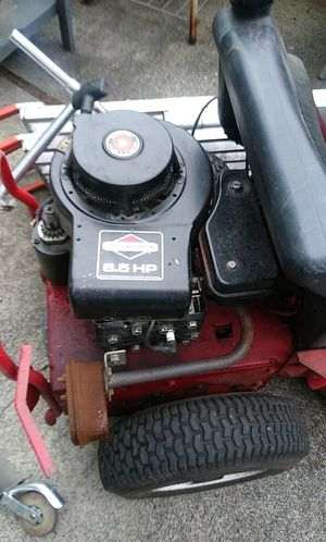 6.5 riding lawn mower runs good 500 OBO for Sale in Port Orchard, WA