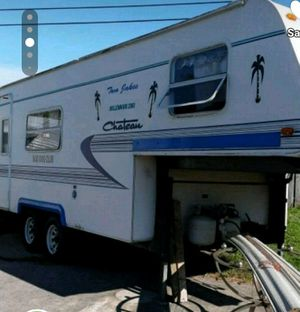 23'5th WHEEL CAMPER MUST SELL for Sale in Palm Bay, FL