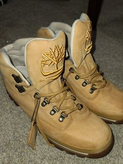6 Inch Timberland Boots 11.5 for Sale in Rancho Cucamonga,  CA