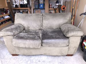 Suede leather love seat FREE!!! for Sale in Kennewick, WA