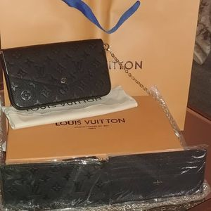 $230 Louis vuitton Pochette Félicie Crossbody wallet on the chain for Sale in Chicago, IL