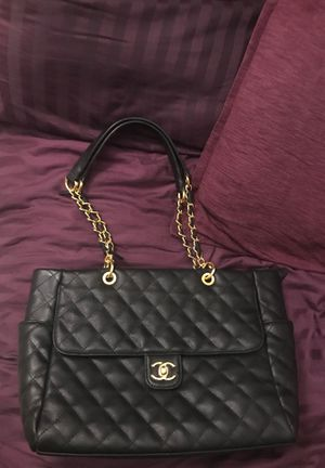 AUTHENTIC Chanel Bag (USED) if you need more pics let me know. for Sale in Chicago, IL