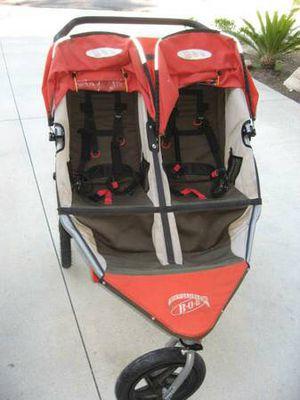 Bob double stroller in great condition for Sale in Fairfax, VA