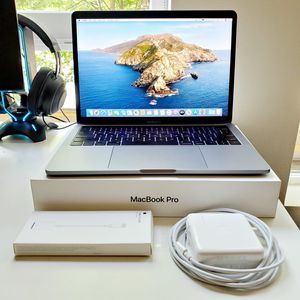 "Macbook Pro mid-2017 13"" Retina LED 3.1 GHz 8GB with Touch Bar for Sale in Mercer Island, WA"