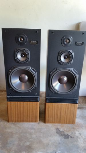 Kenwood speakers and stereo system for Sale in Homestead, FL