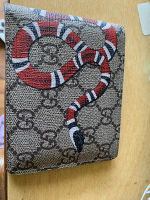 100% authentic Gucci wallet 100$ for Sale in Columbus, OH