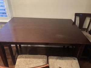 Dining table for Sale in Whittier, CA
