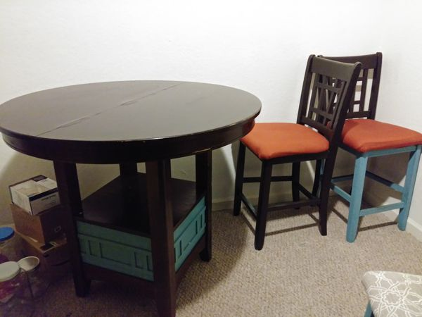 Dinning Table w/ Chairs