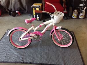 Hello kitty bike18 inch for Sale in Tracy, CA