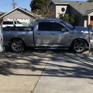 2010 Dodge Ram 1500 2wd 4.7L V8 Double Cab for Sale in San Jose, CA