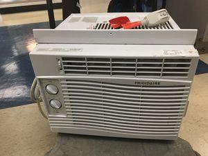 Frigidaire AC unit for Sale in Houston, TX