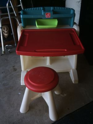 Kids desk and stool for Sale in Fresno, CA