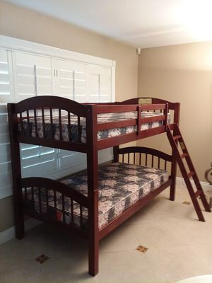 Solid wood twin bunk beds with matres separate into two twin beds for Sale in San Dimas, CA