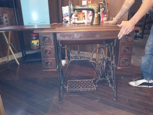 Antique Singer sewing machine for Sale in Wichita, KS