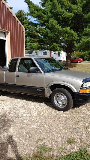 2000 Chevy S10 2.2 L for Sale in Etna, OH