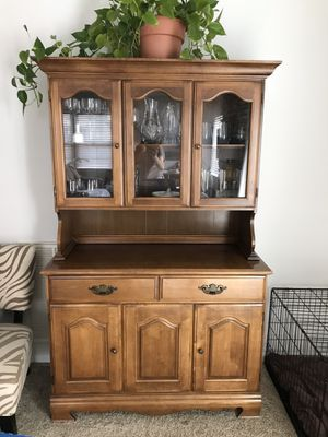 Beautiful Two Piece China Hutch for Sale in Chesapeake, VA