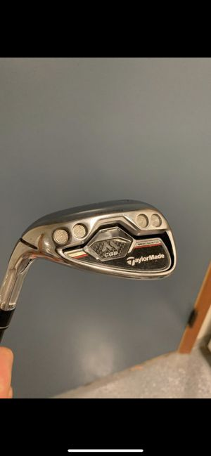Full iron set of Left-handed Taylormade M CGB for Sale in Seattle, WA
