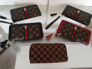 Louis Vuitton./Wallet, Bags , Perfume for Sale in Wichita, KS