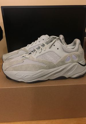 Size 10 yeezy 700 salt brand new for Sale in Germantown, MD