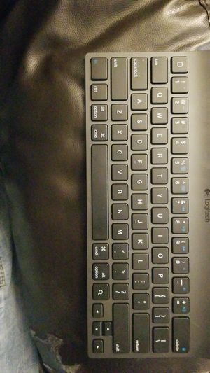Logitech wireless keyboard force iPad or android tablet for Sale in Shelton, WA