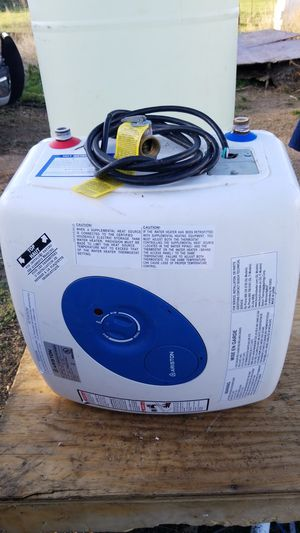 Bosch ariston elec water heater for Sale in Erie, CO