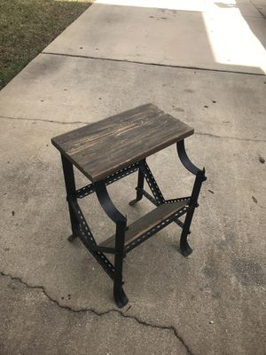 Industrial end table for Sale in Orlando, FL