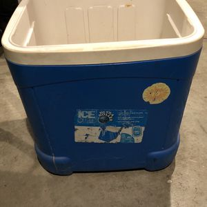 🌻Ice Chest / Cooler 😝 for Sale in Rialto, CA