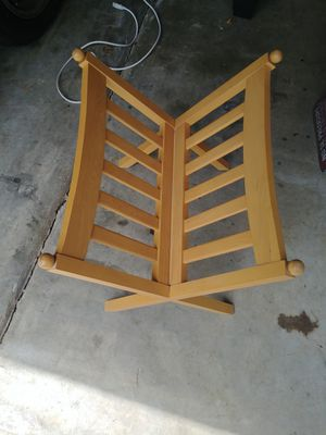 Ethan Allen old fashion magazine rack for Sale in Charlotte, NC