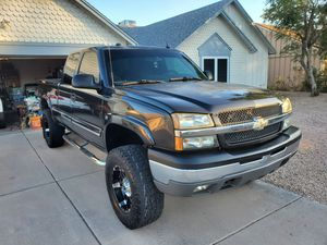 2004 Lifted Chevy Silverado Ext. Cab Z71 for Sale in Glendale, AZ