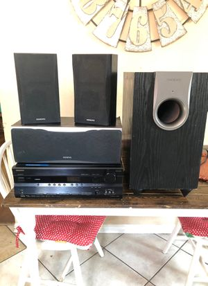 Onkyo surround system with receiver for Sale in Whittier, CA