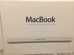 """MacBook 13"""" white for Sale in Miami, FL"""