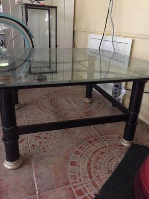 Glass coffee. Table for Sale in Hialeah, FL