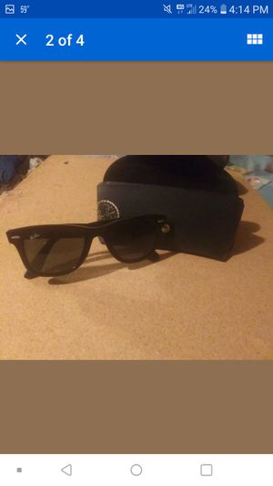 Ray ban sunglasses for Sale in Sulligent, AL