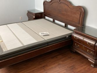 Bedroom Set - King Size for Sale in Santee,  CA