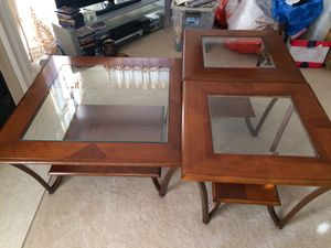Coffee table set with 2 side table- set of 3 for Sale in Ashburn, VA