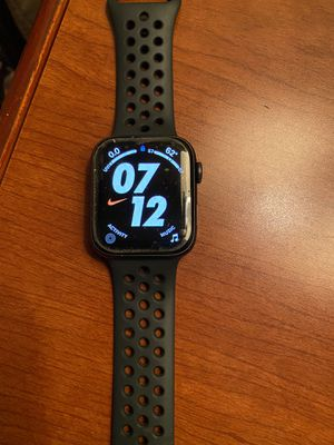 """Apple Watch series 5 44"""" good Conditions still new for Sale in Los Angeles, CA"""