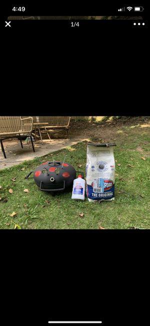 Small grill for Sale in Decatur, GA
