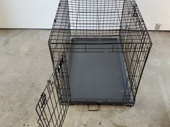 Dog Crate - Medium, Collapsible, Black, Wire for Sale in Laguna Beach,  CA