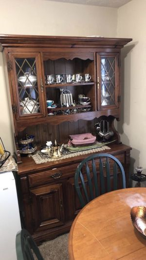 Kitchen table & cabinet for sale for Sale in Columbus, OH
