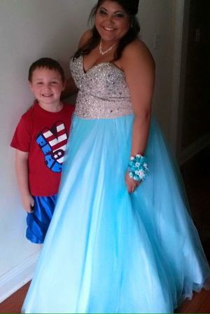 Prom or special event dress! Aqua blue dress! Price is negotiable for Sale in Picayune, MS