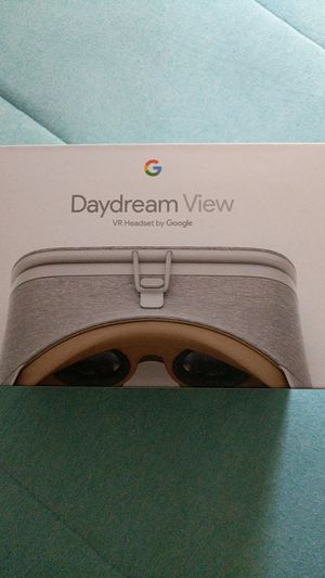 Daydream View VR Headset by Google for Sale in Spring Valley, CA