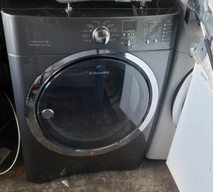 Beautiful Electrolux dryer working great delivery available for Sale in Kissimmee, FL