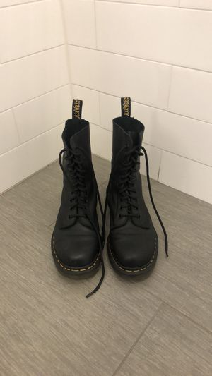 Dr.Martens soft lather mid high boots size 8.5/9 for Sale in New York, NY