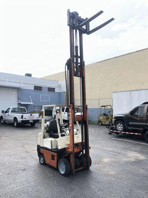 FORKLIFT NISSAN 4000 lbs for Sale in Doral, FL