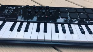 M-Audio 32 key synthesizer for Sale in New Haven, CT