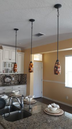Pendant lighting kitchen island complete set of 3 for Sale in Tampa,  FL