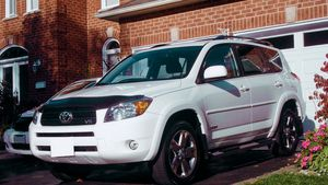 06 Suv For sale clean title v6 for Sale in Tampa, FL
