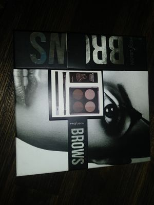 Profusion Eye Brow kit for Sale in El Mirage, AZ