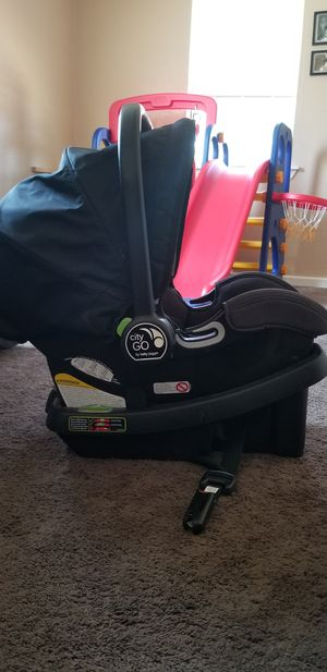 City Go by Baby Jogger car seat and base for Sale in Odessa, TX