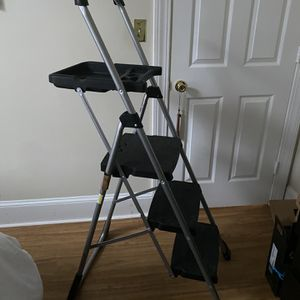 3 Step Ladder With Work Platform for Sale in Boston, MA